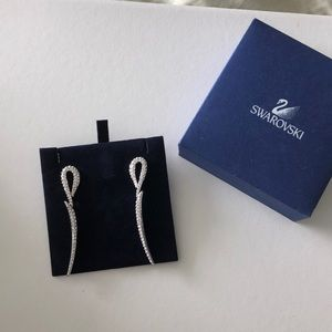 Swarovski silver crystal dangle earrings